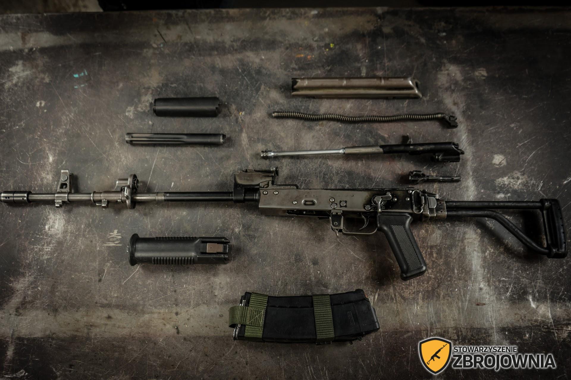 Kurs Bronioznawstwa - rozkładanie broni
